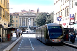 Place Garibaldi and tram 20 metres from the apartment